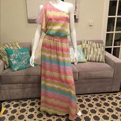 Jessica Simpson One Shoulder Maxi Perfect spring maxi in beautiful print. One shoulder, lined, and with elastic waste. Retails for $148. Size 6. New with tags. Jessica Simpson Dresses Maxi