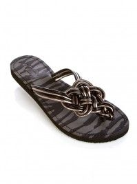 2. fav shoe... i looove flip flops and have a shirt from vanity that would go perfectly with these!