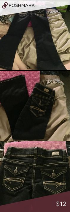 """SZ 7 LITTLE GIRLS JORDACHE JEANS~NWT Brand new never worn jeans with flare bottoms. My granddaughter thinks they are too """"girly"""" for her!! Lol Jordache Bottoms Jeans"""