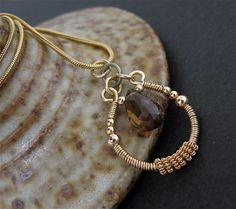 Braune Stein Draht umschlossenen Halskette, verkabelte Stein Schmuck, Braun Gold Kette, kabelgebundene Stein Halskette kurze Edelstein Halskette