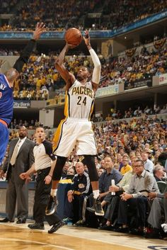 Eastern Conference Semifinals: Game 4 | (3) Indiana #Pacers over (2) New York #Knicks 93-82. Indiana leads series 3-1.