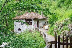 Échale un vistazo a este increíble alojamiento de Airbnb: vive la  naturaleza en un molino  centenario en Sobrefoz