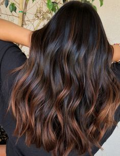 The most beautiful hair color trends for brown hair in winter 2 .- Die schönsten Haarfarben-Trends für braune Haare im Winter 2018 – Haircolor The most beautiful hair color trends for brown hair in winter 2018 color - Brown Hair Balayage, Balayage Brunette, Hair Color Balayage, Hair Highlights, Brown Highlights On Black Hair, Subtle Balayage, Blonde Color, Long Brunette, Brunette Color
