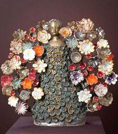 ShopCurious - Fabienne Auzolle - Tree of life - ceramic sculpture - green Ceramic Figures, Clay Figures, Ceramic Clay, Ceramic Pottery, Folk, Ceramic Flowers, Religious Art, Religious Symbols, Tree Of Life