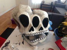 Resultado de imagen para halloween masks for kids papel mache Paper Mache Mask, Paper Mache Boxes, Paper Mache Sculpture, Paper Mask, Sculpture Art, Sculptures, Halloween Prop, Halloween Crafts, Halloween Decorations