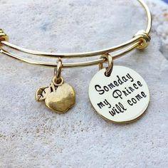 Jewelry - Bangle - Bracelet - Disney - Disney Jewelry - Disney Bangle - Gold Bangle - Snow White - Someday my Prince will come - Gift