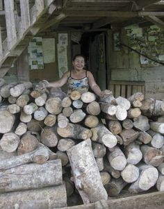 Check out the fantastic amount of firewood Faustino and his wife got from pruning their Inga alleys to plant this year's maize.  And this isn't even all of it, there's plenty more that still needs to be carried down from their plot.