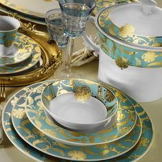Annenize, onun zevkinde bir yemek takımı armağan edin. #maximukart #AnnelerGünü #hediye Dinner Sets, Deco Table, Dinnerware, Glass Art, Tea Cups, Porcelain, Dishes, Eat, Tableware