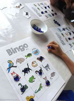 preschoolers will enjoy this easy to play bingo pets game! Printable Bingo Games, Free Printables, Free Preschool, Preschool Activities, Bingo For Kids, Pet Games For Kids, Secret Life Of Pets, Animal Games, Cute Animal Pictures