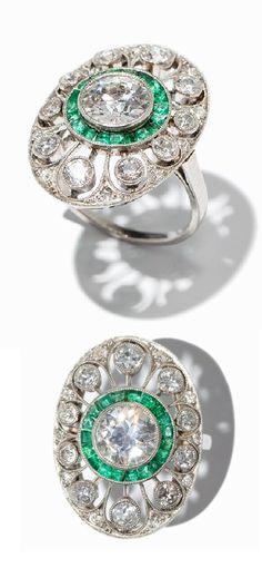 An Art Deco emerald and diamond ring, circa 1925. #ArtDeco #ring