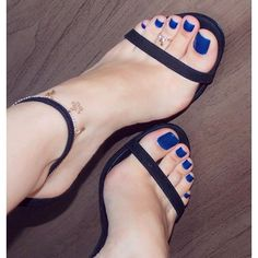 Perfect_teen_feet. — Perfect toe color and sexy beautiful feet