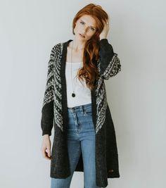 The Snowflake Cardigan | Wool Cardigan | Organic Cotton Cardigan | Winter Cardigan | How to style a cardigan | Gray Cardigan | Wool knit cardigan | Paige Avenue #winterweather #wintercardigan