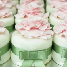 Mini cakes. Mint and pale pink.