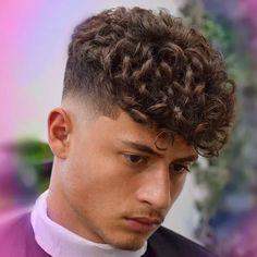 Men Haircut Curly Hair, Taper Fade Haircut, Short Sides Haircut, Crop Haircut, Cool Hairstyles For Men, Haircuts For Men, Dreadlock Fade, Hair And Beard Styles, Curly Hair Styles