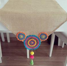 24 Ideas For Crochet Pillow Mandala Ideas Crochet Table Mat, Crochet Pillow, Crochet Doilies, Crochet Flowers, Crochet Edgings, Jute Crafts, Diy And Crafts, Wooden Crafts, Crochet Borders