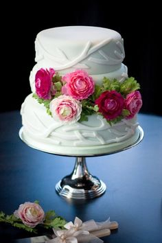 Shabby Chic Pink Garden Round Wedding Cakes Photos & Pictures - WeddingWire.com