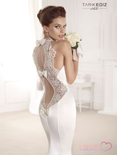 Search for sexy wedding dresses? Look at the ideas below to find the backless wedding dress of your dream! Wedding Dress Sleeves, Dream Wedding Dresses, Bridal Dresses, Wedding Gowns, Lace Dress, Bridesmaid Dresses, Backless Wedding, Wedding Dressses, Petite Dresses