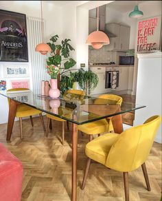 Living Room New York, Dining Chairs, Dining Table, Furniture, Home Decor, Decoration Home, Room Decor, Dinner Table, Dining Chair