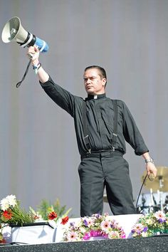 Faith No More premiere new songs at Hyde Park