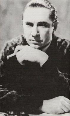 Bela Lugosi. He made one sexy vampire.