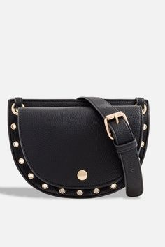 Shop this seasons must have bags and purses at TOPSHOP. Find clutch bags, shoulder bags, purses and luggage wear to suit you in Asos, Sacs Design, Topshop, Leather Saddle Bags, Satchel Handbags, Cheap Fashion, Fashion Advice, Crochet, Leather Shoulder Bag