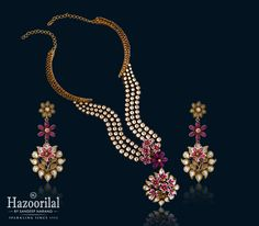 Splendid collection of latest gold necklace designs by Hazoorilal Jewellers. Visit our store in delhi to witness best in class Designer Gold Necklaces. Antique Jewelry, Gold Jewelry, Women Jewelry, Pearl Jewelry, Terracotta Jewellery, Jewelry Patterns, Necklace Designs, Necklace Set, Custom Jewelry