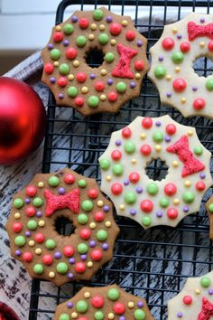 Gingerbread wreath cookies with colored icing.  Nam, nam, nam...