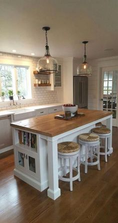 Small Kitchen island Idea with Seating. Small Kitchen island Idea with Seating. 20 Re Mended Small Kitchen island Ideas On A Bud Farmhouse Kitchen Island, Kitchen Island With Seating, Kitchen Islands, Farmhouse Sinks, Wooden Island Kitchen, Island Sinks, Farmhouse Kitchens, Farmhouse Furniture, Kitchen Furniture