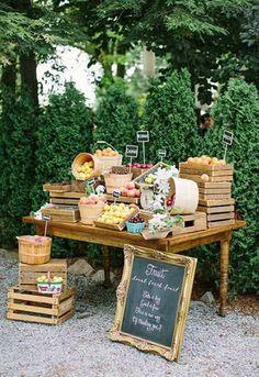 Mesa de frutas, rústica e linda!