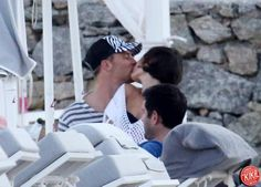 Manuel Neuer kissing his girlfriend Kathrin Gilch in Greece