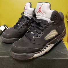 the best attitude af065 bee60 Nike Air Jordan V 5 Black Metallic Silver 2016 Retro BG Size Condition is  Pre-owned. Nellie Newton · Boys  Shoes