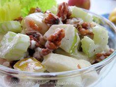 """Салат """"Вальдорф"""" или """"Уольдорф"""" - классический американский салат из кисло-сладких яблок, сельдерея и грецких орехов, который обрел бол... Waldorf Salad, Potato Salad, Potatoes, Ethnic Recipes, Food, Eten, Potato, Meals, Diet"""