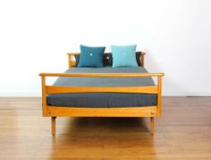 1000 images about lit polo on pinterest sparrows child bed and vintage - Canape lit scandinave vintage ...