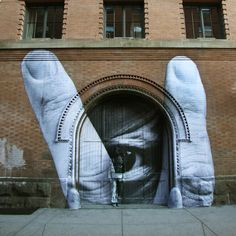 Graffiti or art? graffiti JR and Liu Bolin, Nolita Creative Graffiti 3d Street Art, Street Art Artiste, New York Street Art, Street Art Utopia, Best Street Art, Amazing Street Art, Street Art Graffiti, Street Artists, Amazing Art