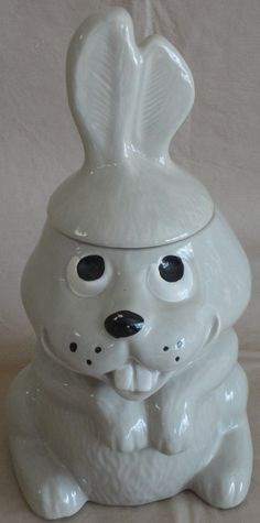 Hocus the Rabbit Cookie Jar # 211 made by McCoy from 1978-1979