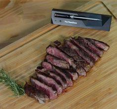 The MeatStick is de eerste slimme, draadlooze vleesthermometer dat zo eenvoudig werkt via de telefoon. In 3 stappen heb je een perfect gegaard gerecht op tafel staan. Plaats de thermometer in je favoriete stuk vlees, stel de klok in via de app op je telefoon en wachten maar tot je vlees ready to eat is! Dankzij de vleesthermometers van The MeatStick is het bereiden van een stukje vlees nog nooit zo eenvoudig geweest. Time To Eat, Grilled Meat, Sous Vide, Cooking Time, Grilling, Oven, Deep Fryer, Vegetarian, Wifi