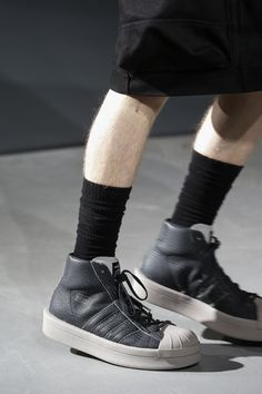 See detail photos for Rick Owens Fall 2016 Menswear collection.
