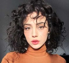20 Latest Short Haircuts for Women - Hair Styles 2019 Cute Curly Hairstyles, Short Curly Hair, Bob Hairstyles, Curly Hair Styles, Curly Bob, Female Hairstyles, Party Hairstyles, Latest Hairstyles, Thick Hair
