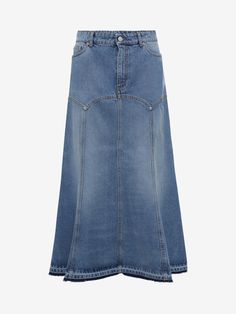 Alexander Mcqueen Denim Skirt In Blue Modest Outfits, Skirt Outfits, Dark Green Skirt, Fashion Essay, Moda Jeans, Look Jean, Iranian Women Fashion, Capsule Outfits, Denim Ideas