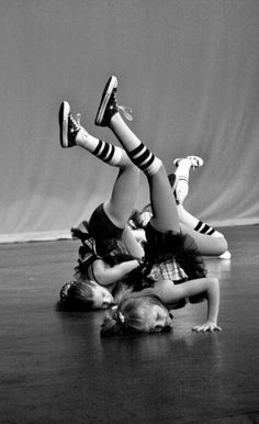 Hip hop and ballet= only dance. Dance Movement, Dance Class, Dance Recital, Dance It Out, Just Dance, Baile Jazz, Urban Dance, Rock And Roll, Dance Like No One Is Watching