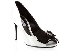 Dolce & Gabbana Bow front patent court shoes