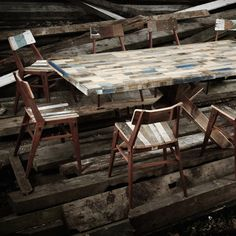reclaimed wood table and chairs