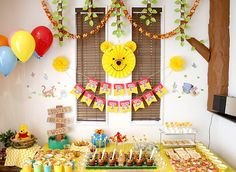 Party directing (decorating) at the birthday party of a child whose theme is Pooh