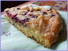 Rozehřátý tuk, teplé mléko, Sorbit a vejce rozšleháme šlehačem a nalijeme ho do mouky s práškem do pečiva. Rozmícháme a rozetřeme těsto do… Banana Bread, Muffin, Food And Drink, Breakfast, Diabetes, Fitness, Diet, Morning Coffee, Muffins