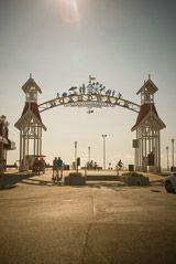 Ocean City, Maryland Boardwalk. Old timey boardwalk with lots of things to do. I want to go!