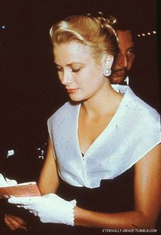 Grace Kelly at the Rear Window premiere.