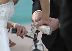 How to Perform a Wedding Sand Ceremony