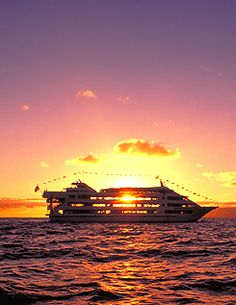 Star of Honolulu Sunset Dinner Cruise - www.cfltravel.com