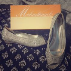Formal Low Wedges Size 10 silver peep toe Michaelangelo shoes from David's Bridal-only worn once-excellent condition David's Bridal Shoes Wedges