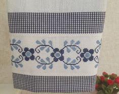 Cross Stitch Borders, Cross Stitch Patterns, Crochet Patterns, Blackwork Embroidery, Cross Stitch Embroidery, Needlepoint, Diy And Crafts, Floral, Oxfords